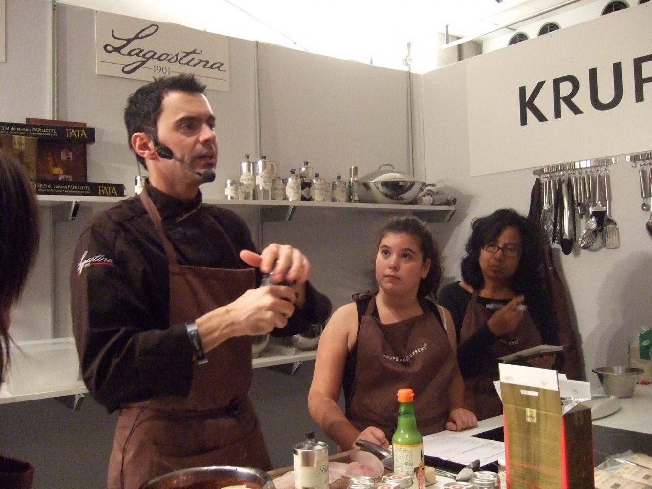 Salon cuisinez au carrousel du louvre salons for Salon professionnels